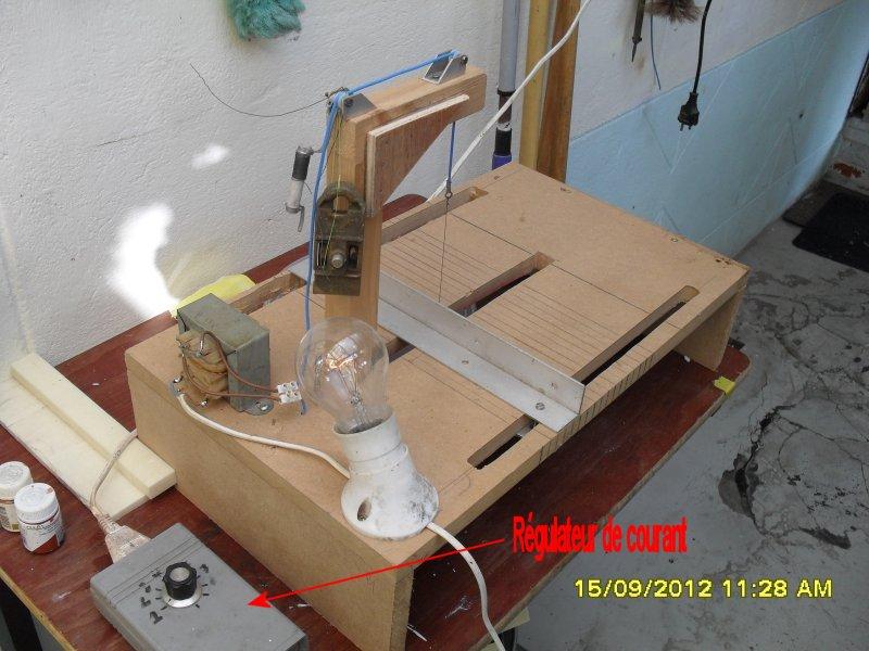 Vue du variateur de courant pour le fil à découper du polystyrène