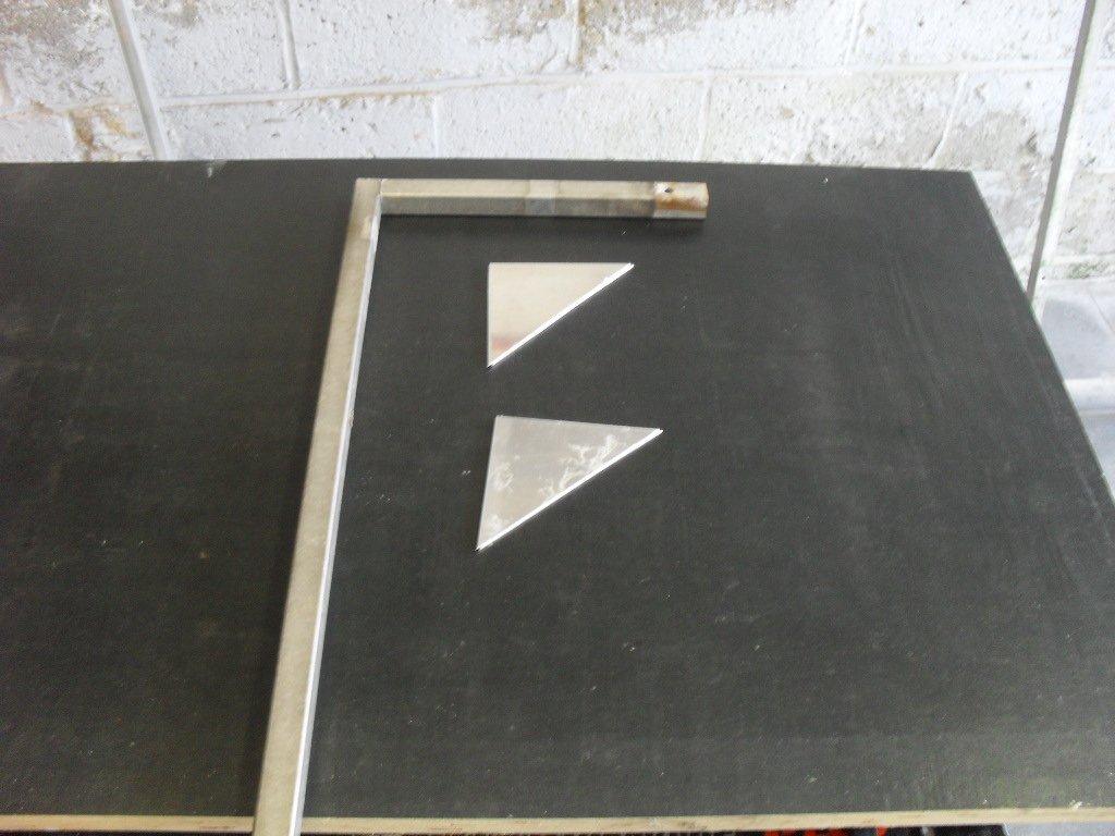 Potence de la table à découper du polystyrène