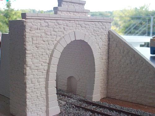 Entrée de tunnel avant mise en peinture